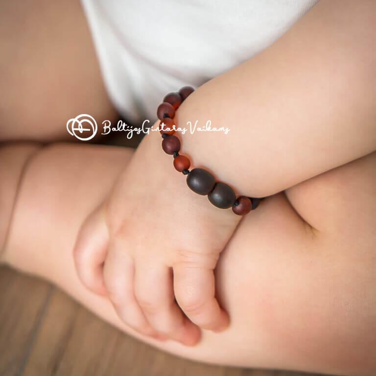 Gintarinė apyrankė mažyliui