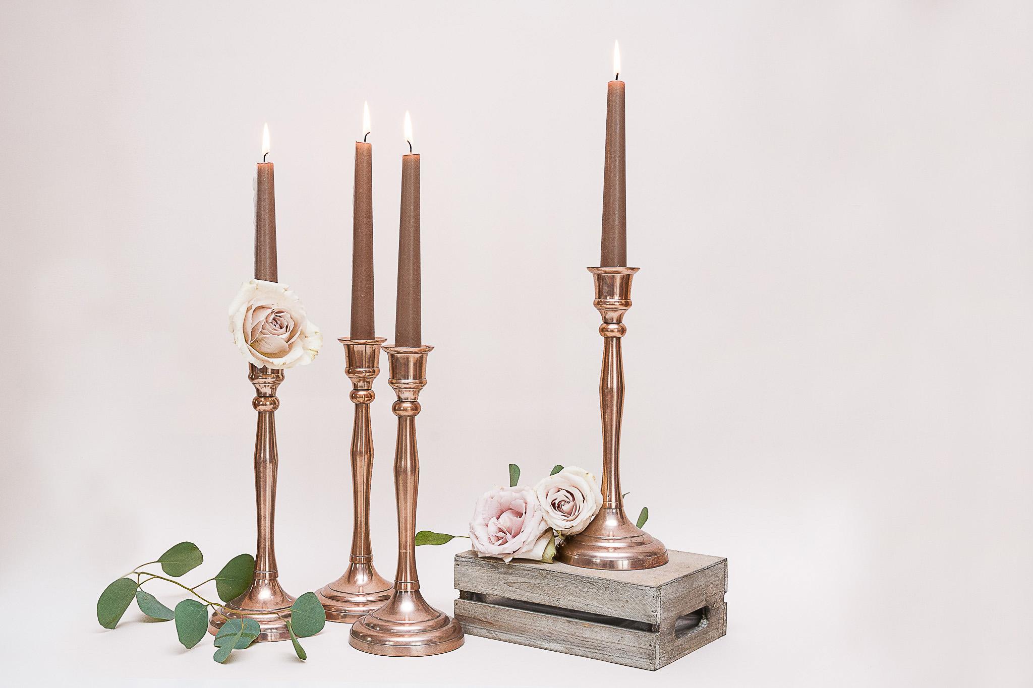 Aukšta vario spalvos žvakidė siaurai žvakei (Ž-26)