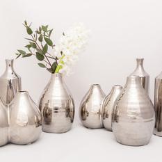 Blizgios sidabro spalvos vazelės vienai gėlei (VV-4)