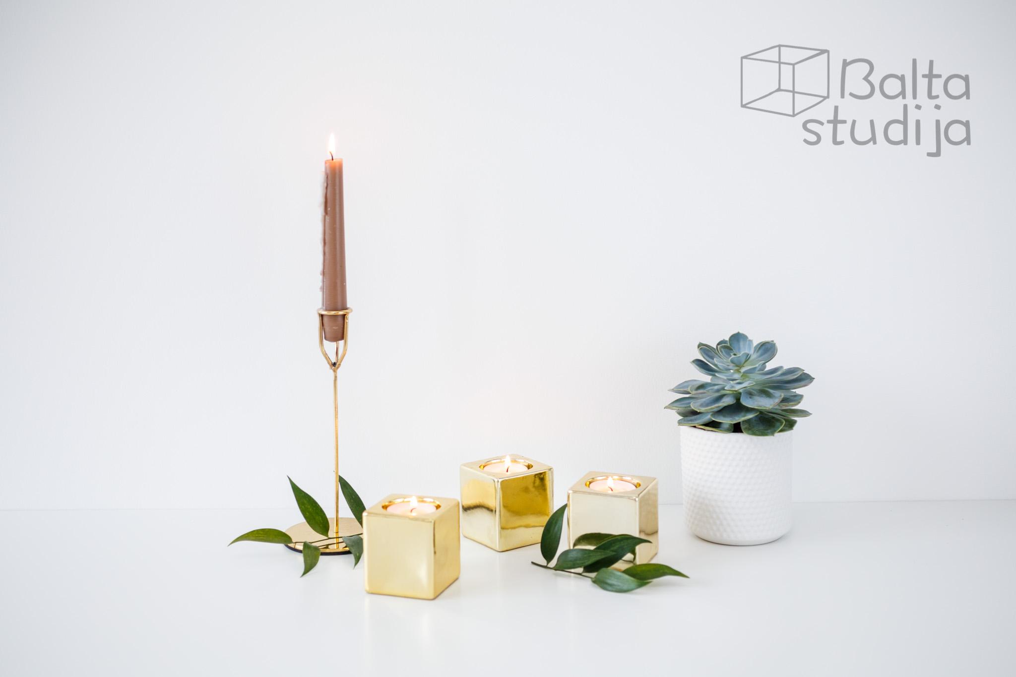 Itin blizgi aukso spalvos žvakidė (Kubas) (Ž - 37)