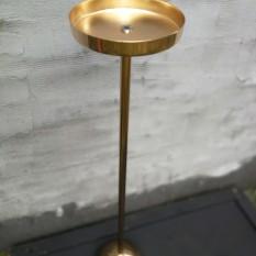 Blizgus aukso spalvos stovas puokštei (Vz-9)