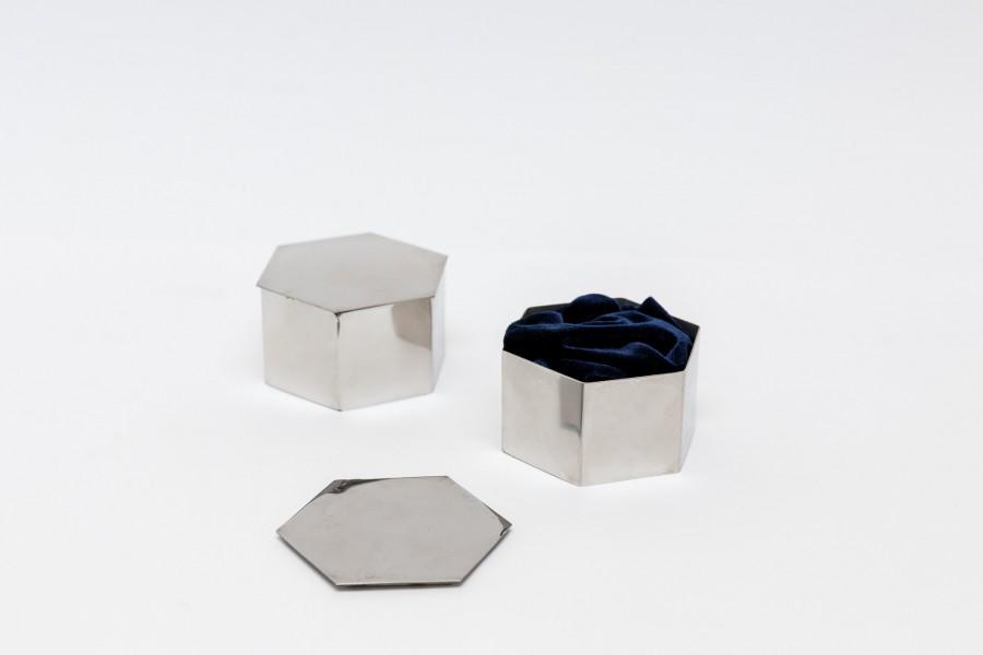 Geometrinės blizgios dėžutės žiedams (Sidabro, aukso spalvos) (DŽ - 1)