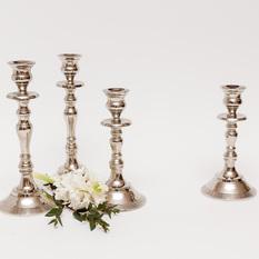 Blizgi metalinė žvakidė siaurai žvakei (Ž - 12)