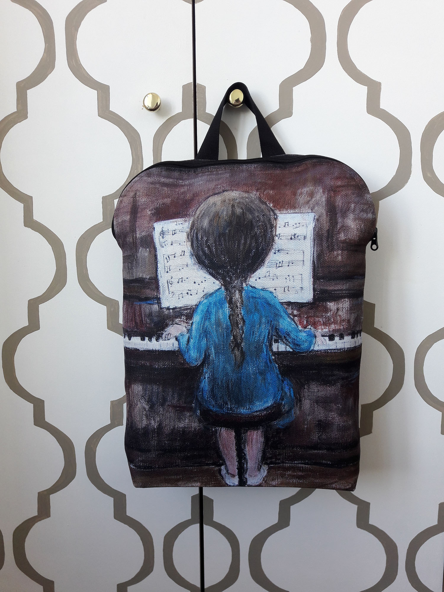 """Kuprinė """"Pianistė"""""""